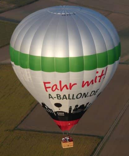 Unser Heissluftballon in Stadtfarben