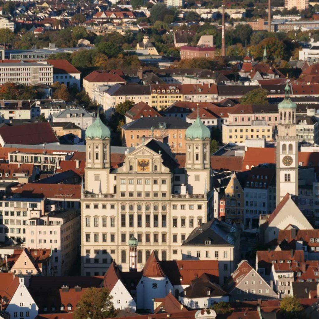 Das Rathaus und der Perlachturm von Augsburg