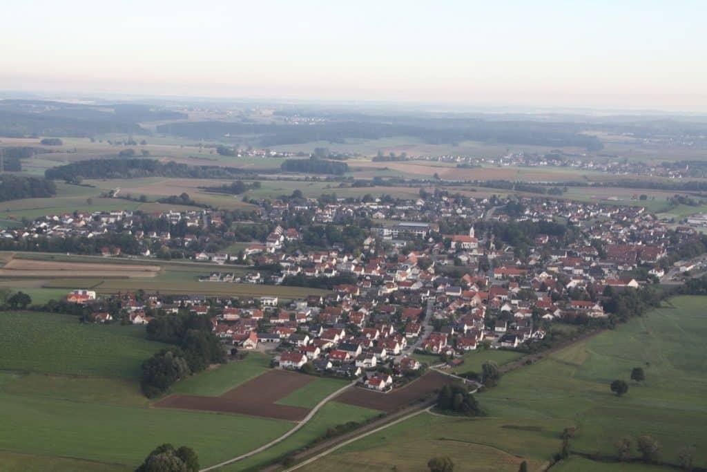 Ballonfahrt über Dasing im Wittelsbacher Land