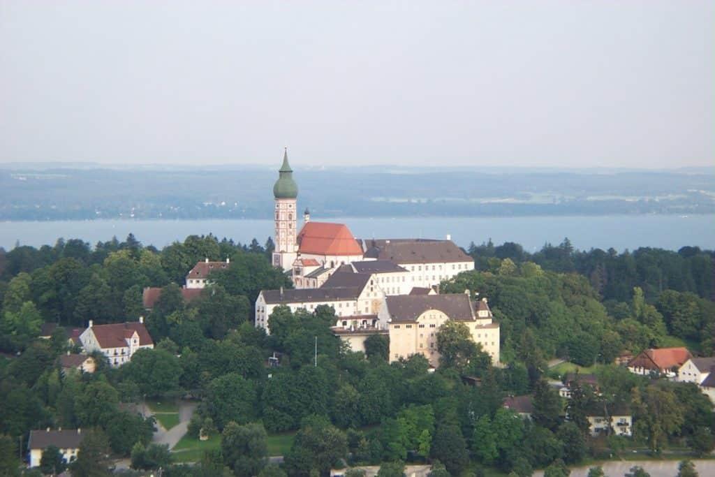 Das Kloster Andechs aus der Luft!